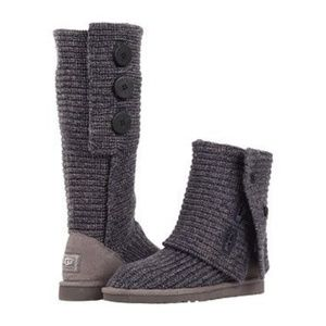 NWOT UGG Classic Cardy Knit Button Boot in Navy